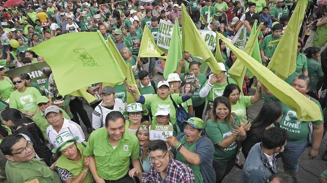 Tensión con Estados Unidos ensombrece comicios en Guatemala