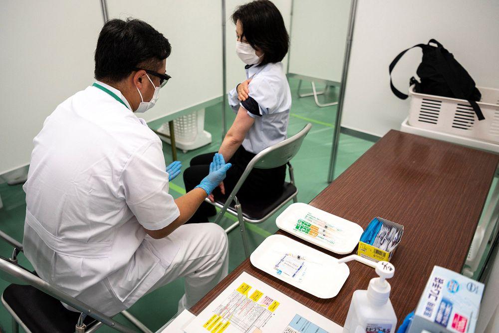 Japón aprueba las vacunas anticovid de Moderna y AstraZeneca