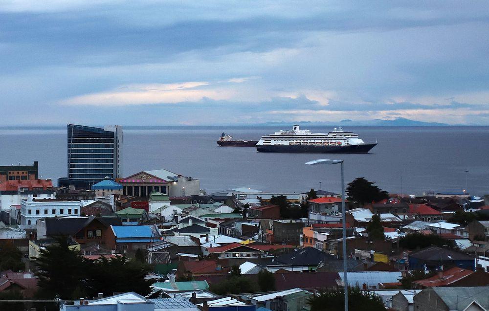 Panamá no recibirá al crucero que navega con más de 40 enfermos con gripe