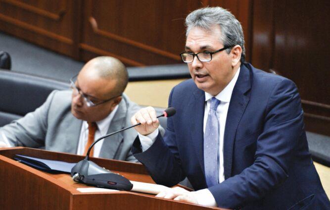 Asamblea Nacional destituye a Alfredo Castillero Hoyos de la Defensoría del Pueblo
