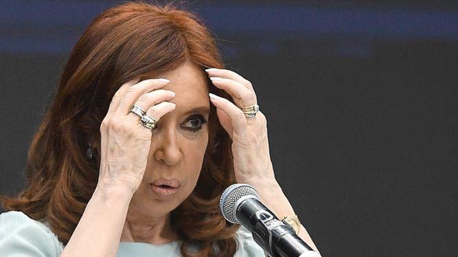 Llaman a juicio a Cristina Kirchner por el caso de los 'cuadernos de la corrupción'