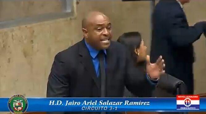 Policía Nacional presenta denuncia contra el diputado Jairo Bolota Salazar