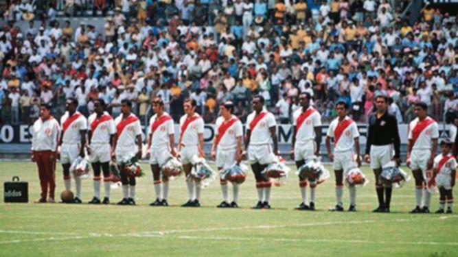 Perú tuvo 51 jugadores que estuvieron en mundiales