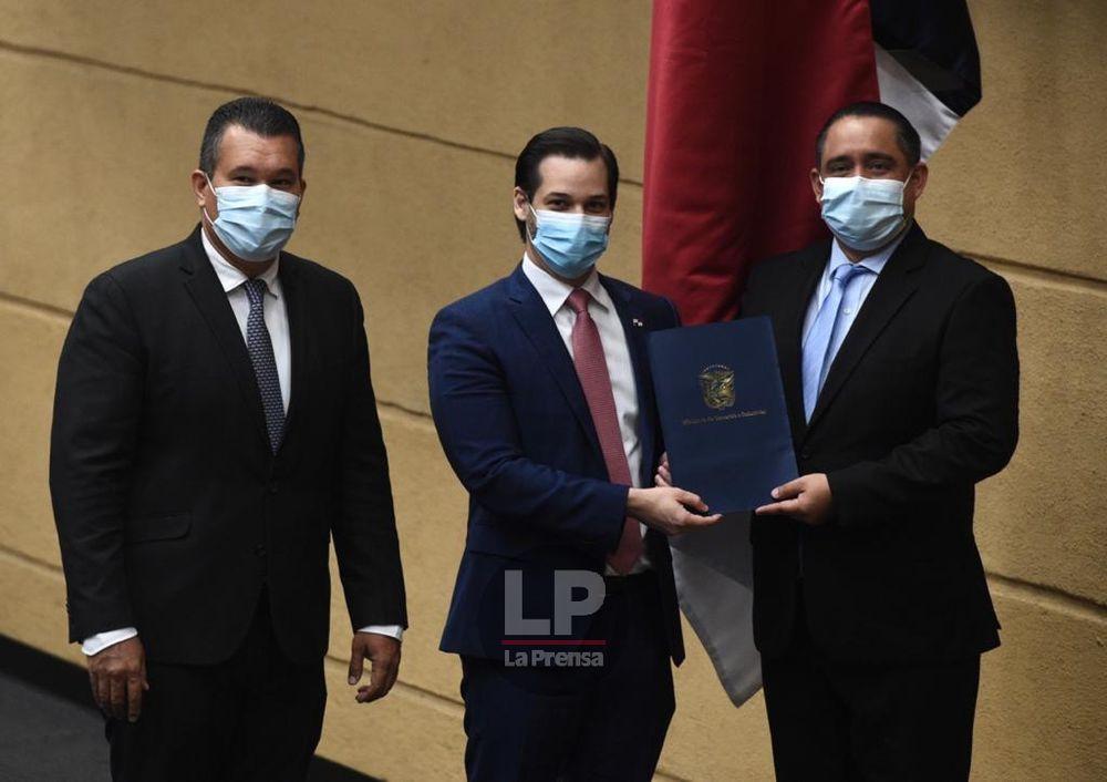 Ministro de Comercio presenta a la Asamblea TLC con Corea del Sur y pide agilización en su debate
