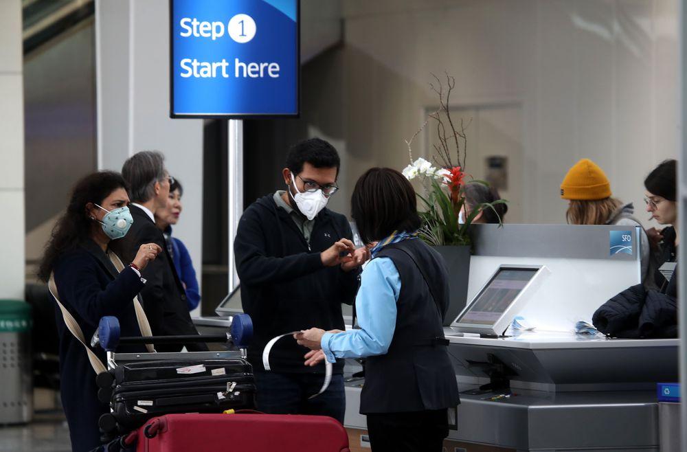 Estados Unidos mantiene restricciones a viajes internacionales por la variante Delta del coronavirus