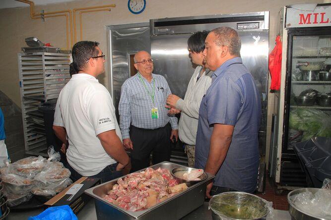 Sancionarán a restaurante de Condado del Rey por ofrecer carne de chivo