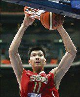 Yi Jianlian quiere dejar a los Bucks