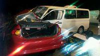 Un muerto y dos heridos en accidente entre bus y vehículo sedán