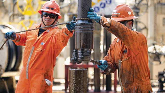 Países fuera de la OPEP aumentan bombeo de petróleo