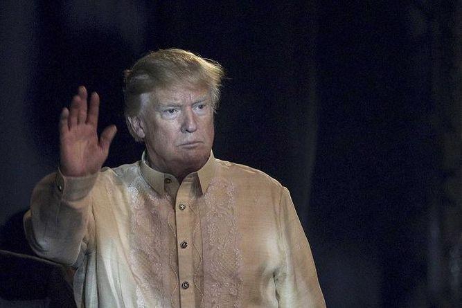 Exdirector de la CIA dice que Putin manipula a Trump