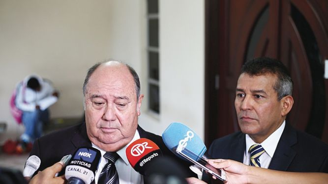 Diputado Afú da plazo a 'La Prensa' para que se retracte de información