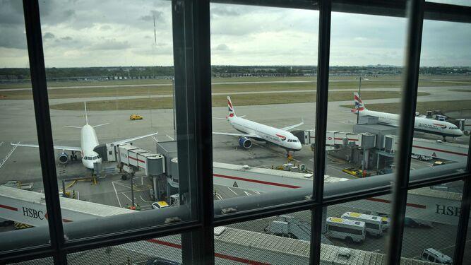 Una huelga de pilotos obliga a British Airways a anular casi todos sus vuelos