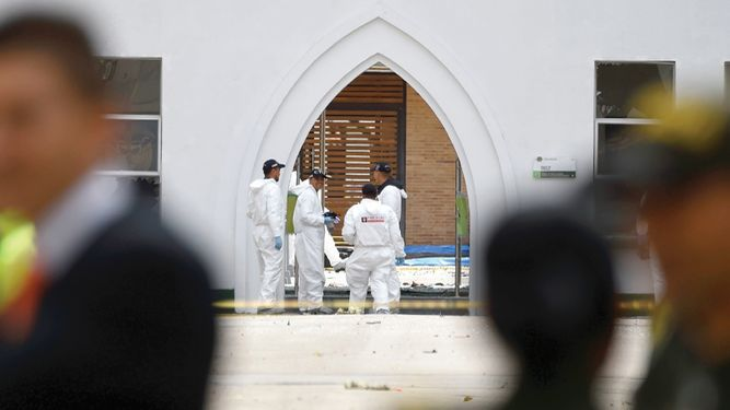 Atentado terrorista tiñe de luto a Colombia