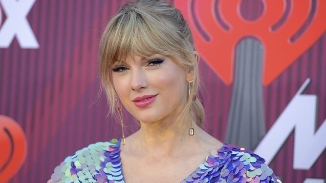 Taylor Swift dona $113 mil a grupo defensor de LGBTQ