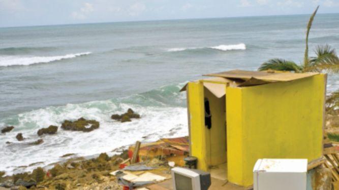 Gobernador de Puerto Rico propone plan de austeridad