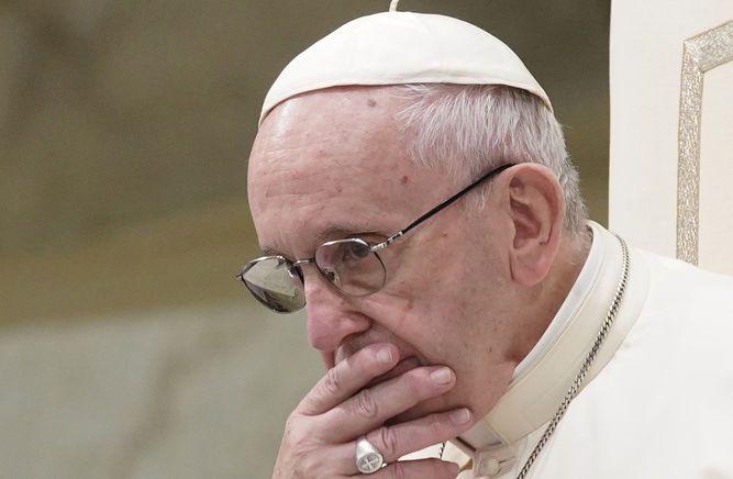 Vaticano autoriza pesquisa a obispo estadounidense acusado de acoso