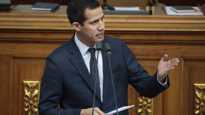 Estados Unidos apoya posición de Guaidó, que considera que Maduro ejerce ilegítimamente el poder