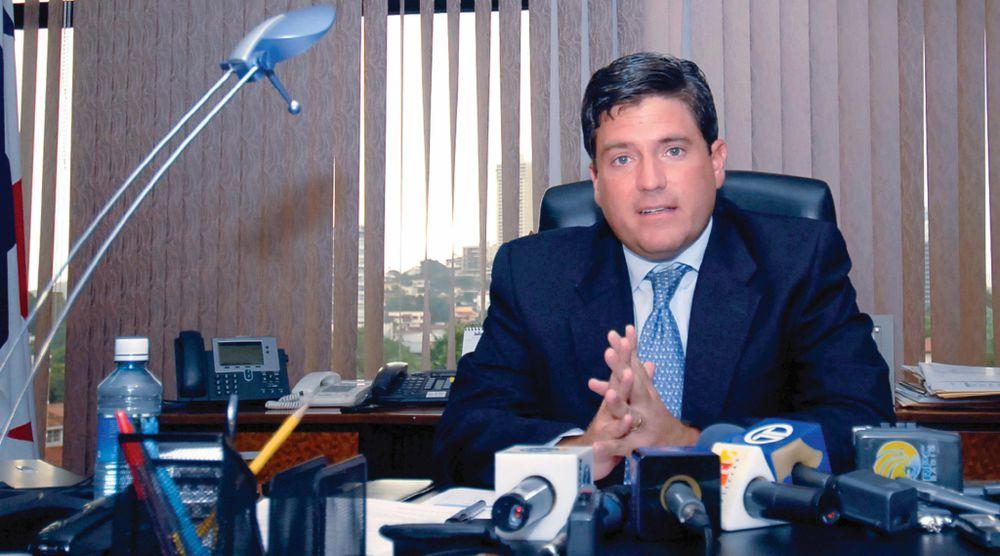 La ruta del dinero que llevó a Carlos Duboy; la fiscalía identifica 'pagos ilícitos'