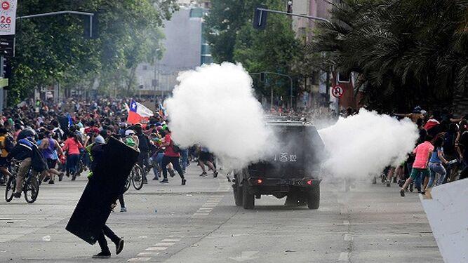 Un niño entre los fallecidos durante las protesta en Chile; aumentan a 18 los muertos
