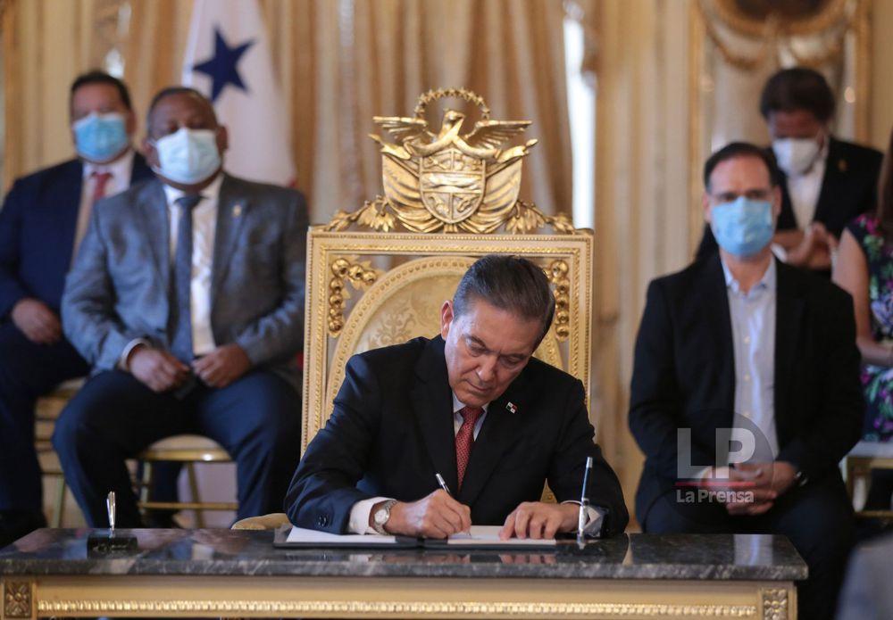 Cortizo anuncia acuerdo que amplía la moratoria bancaria hasta el 31 de diciembre