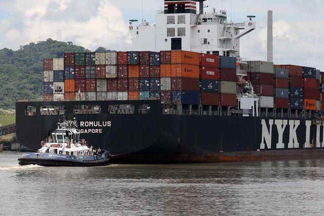 Suspenden restricción al calado de buques del Canal de Panamá
