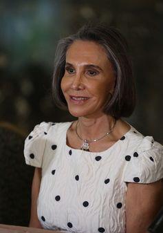 Chespirito 'sabía convertir todo en oro', dice su viuda Florinda Meza