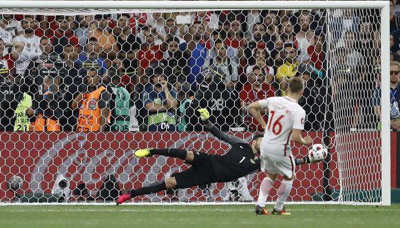 Portugal supera a Polonia en penaltis y está en semifinales