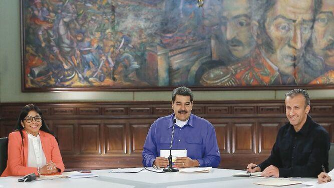 Maduro busca cambios para retomar el diálogo