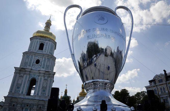 FIFA analiza propuesta de nuevos torneos; UEFA se preocupa por un Mundial de Clubes
