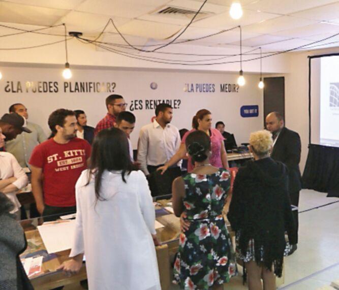 Lanzan nuevo programa de capacitación a emprendedoras