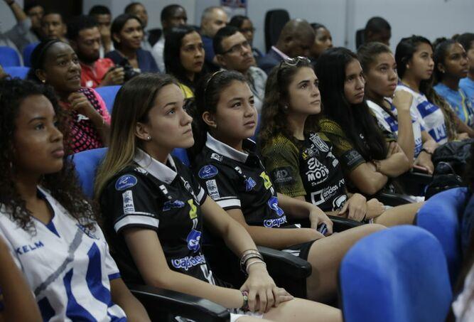 Liga de Fútbol Femenino se jugará con 16 equipos