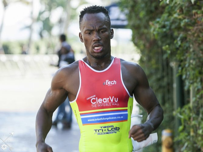 Atacan a triatleta en Sudáfrica con un serrucho