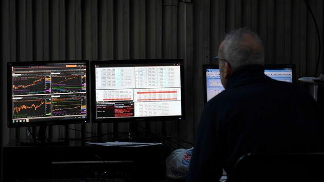 Mercados huyen de activos argentinos por temor a incumplimiento