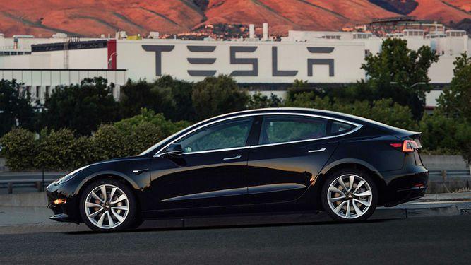 Proliferan los autos eléctricos, pero ¿dónde se los carga?