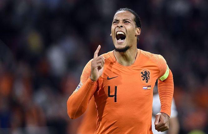 Alemania aplastada por Holanda 3-0 y en espera de Francia