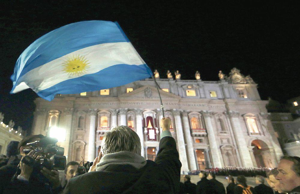 Argentina pide al Fondo Monetario Internacional revisar tasa de interés
