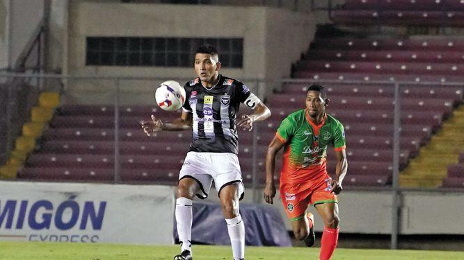 Angulo quiere un Tauro FC más ordenado y defensivo