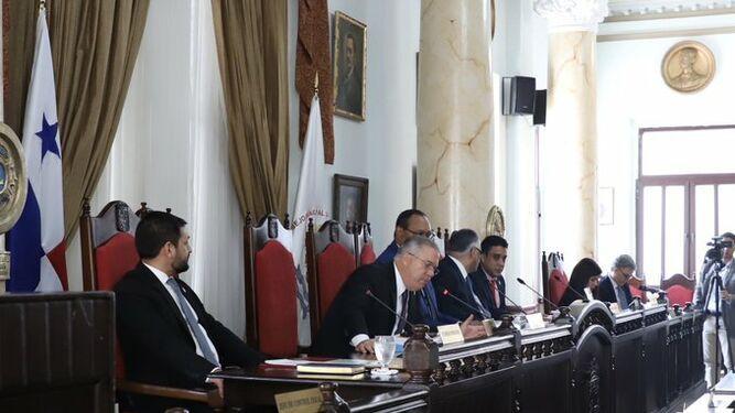Alcalde Fábrega se compromete restituir ayuda a fundaciones, si mejoran las finanzas