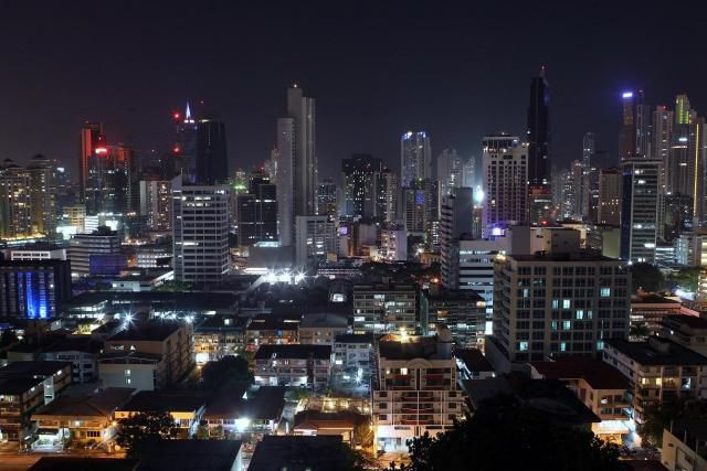 Gobierno anuncia medidas para afrontar crisis energética en 2015