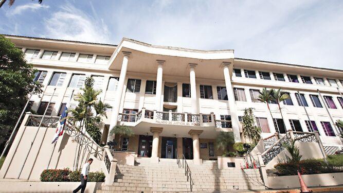 Sala Tercera suspende decretos del Gabinete