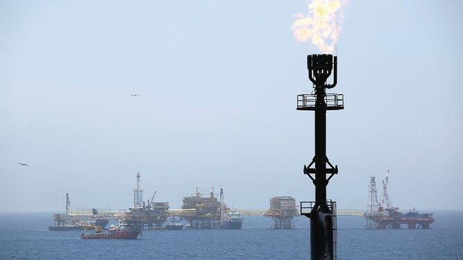 Ecuador busca socio privado para refinería