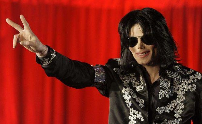 Demandan a HBO para evitar que emita un polémico documental sobre Michael Jackson