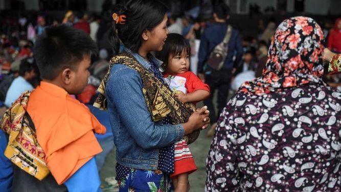 Indonesia eleva el nivel de alerta por el volcán causante del tsunami