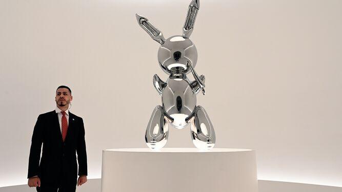 Obra de Jeff Koons se vende por $91.1 millones, un récord para un artista vivo