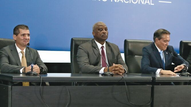 Gabinete nombra dos miembros para la junta directiva del Canal