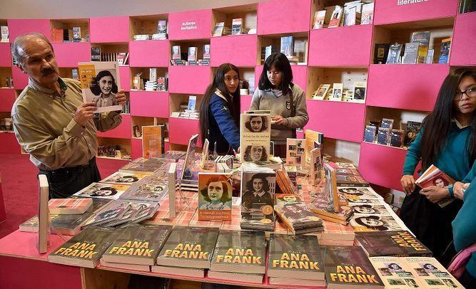 Premio Nobel Svetlana Alexievich en la Feria del Libro de Bogotá