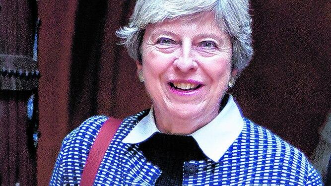 Theresa May se considera 'resistente' ante críticas