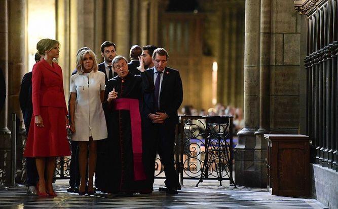 Melania Trump visita la catedral de Notre-Dame con Brigitte Macron