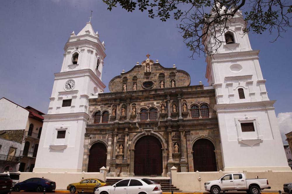 Arquidiócesis reabrirá los templos de lunes a viernes desde el 15 de enero