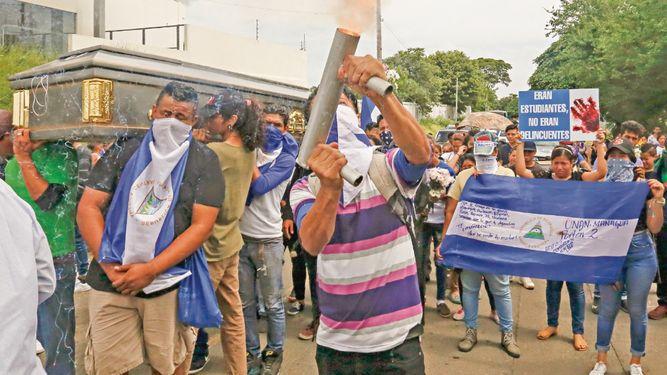 Una luz de represión guía a los nicaragüenses